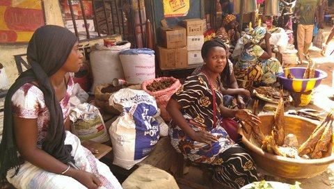 Serekunda Market; hopen op Dalasi