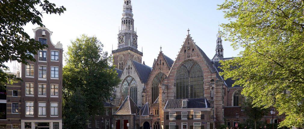 Oude Kerk van Amsterdam stelt naastenliefde centraal.