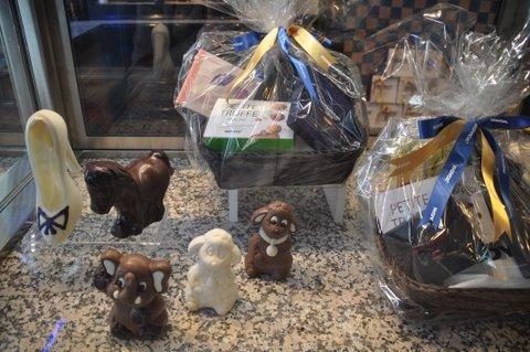 chocola in allerlei vormen, zelfs als hooggehakte damesschoen bij Roy
