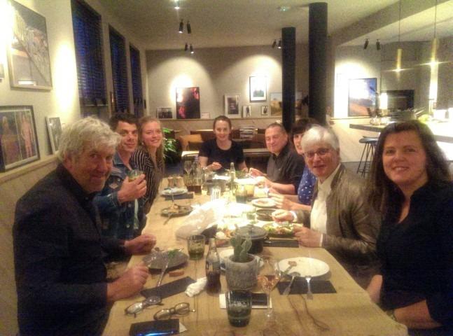 Queen A, tapasmenu, met bloggers, trendwatcher Bert van Thilborgh (naats mij) en Jamil Valckx (tegenover mij)