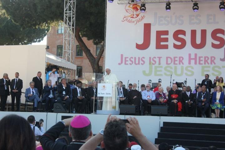 ''Overvloed'' was in Ede op 5 juni het thema voor 50 jaar KCV. Internationaal werd het gouden jubileum gevierd in Rome. met paus Franciscus I
