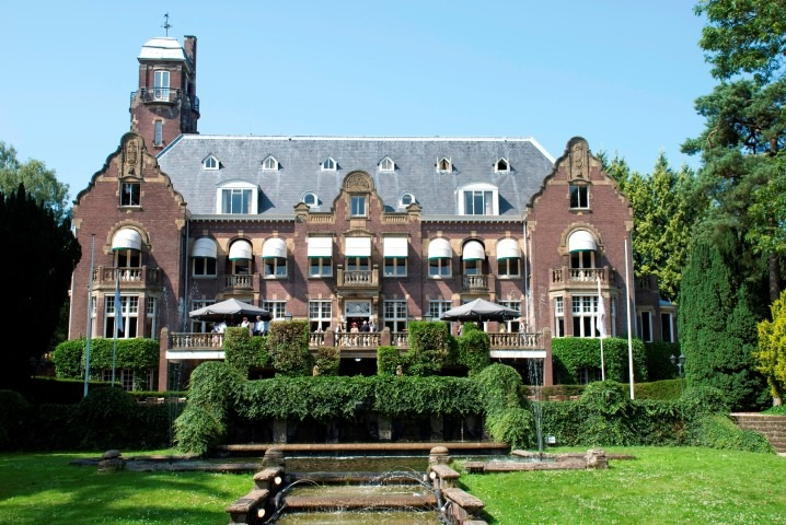 Kasteel de Hoge Vuursche, Baarnse Horeca in historische panden/Wil Hordijk