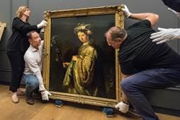 Aankomst vanuit Leningrad bij de Hermitage van Amsterdam:Rembrandts Flora (1634) Foto: Evert Elzinga
