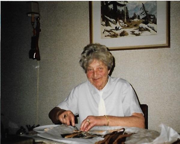 Bijna-dood-ervaringen. Mijn moeder Riek Reijn (1911-1988). Ik hield zoveel van haar dat ik haar moment van overlijden in de geest meemaakte ondanks een afstand van 800 km