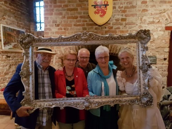 Gouden Eeuwfeest Ruïne van Brederode, Same met onze vrienden Ineke en Fré en Angelique Schipper