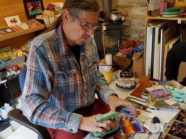 wasschilderen, Peter de Jongste hanteert het schildersijzer
