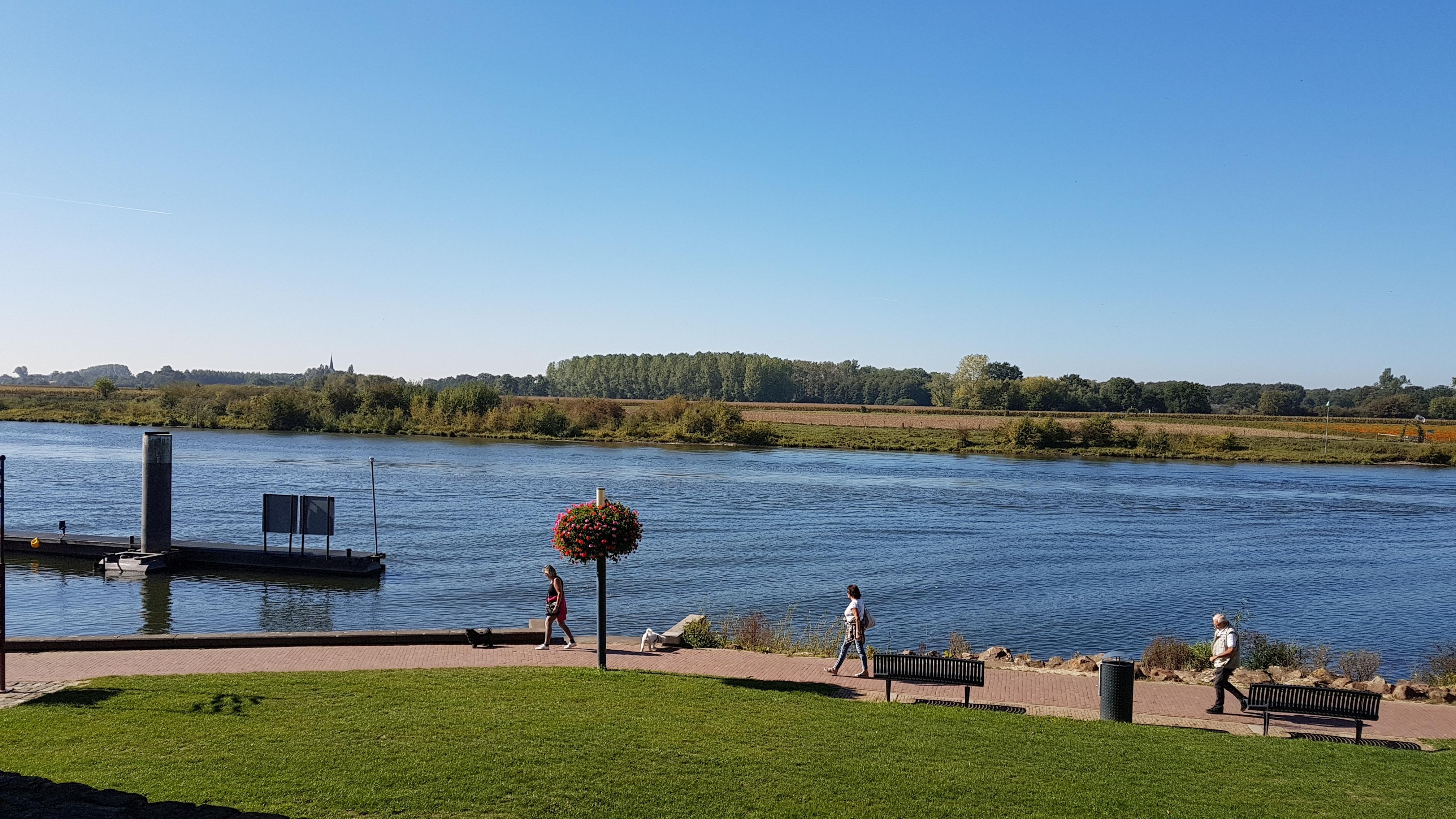 BB Antoniushoeve bevindt zich in het aan de Maas gelegen Lomm vlakbij Arcen