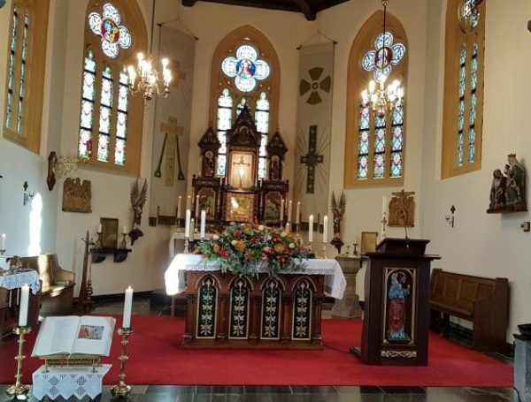 Pastoor Schafraad vierde zijn 80e verjaardag in de kerk H.Pancratius (9e eeuw) te Mesch
