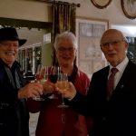 Pastoor Schafraad 80 jaar: feestvieren, elkaar ontmoeten en een volle kerk