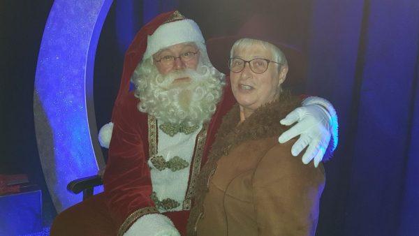 Matthijs van der Meer presenteerde samen met Vajèn van den Bossch It'sTime For Christmas. Na afloop ging iki met Santa Claus op de foto
