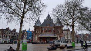 De waag van Amsterdam, pal onder het dak beleefde chirurg Frak IJpma de anatomische les van Rembrandt