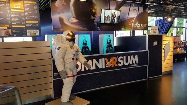 Omniversum; alsof je zelf de vlucht met de Apollo II meemaakt en een stap op de maan zetollo