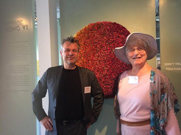 Bollenstreek, Werner van den Belt, directeur Museum de Zwarte Tulp in Lisse, en blogger Marianne Visser van Klaarwater