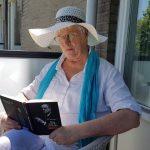 Hermans : Weg met de revolutie, verhalen uit Elsevier Weekblad, recensie